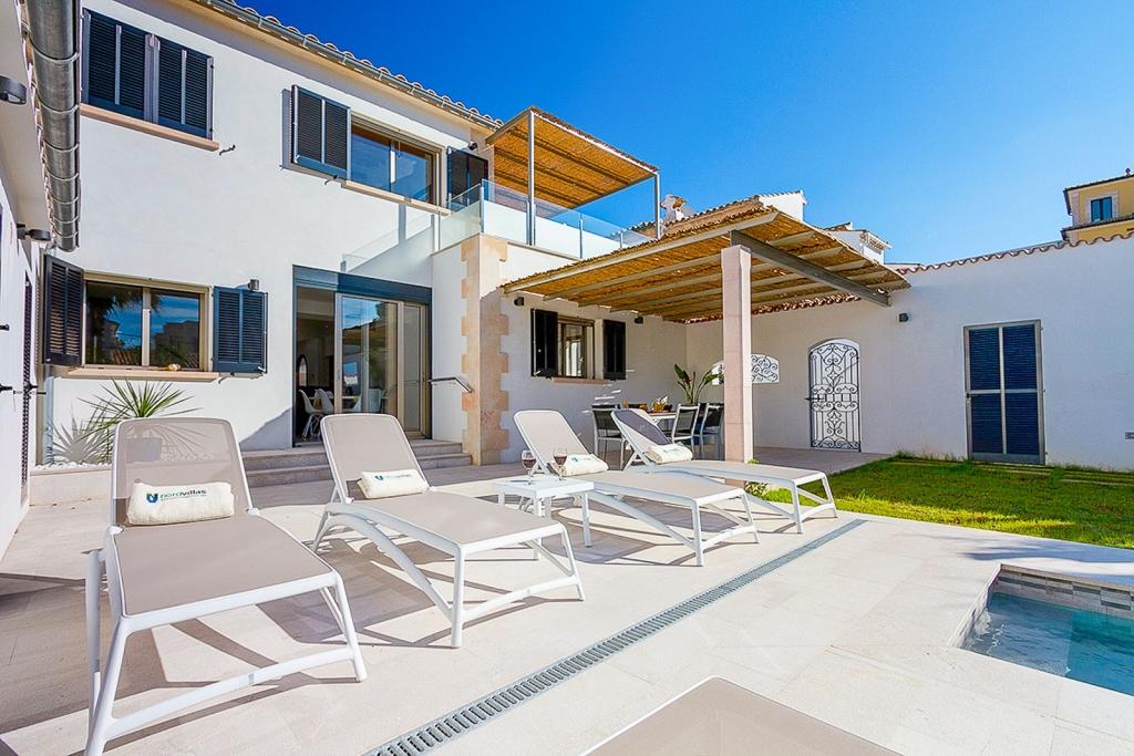 ferienhaus holland norden in puerto pollensa alcudia holidays. Black Bedroom Furniture Sets. Home Design Ideas
